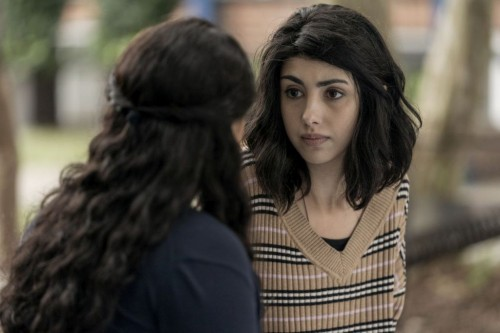 Alexa Mansour as Hope, Aliyah Royale as Iris - The Walking Dead: World Beyond _ Season 1, Episode 1
