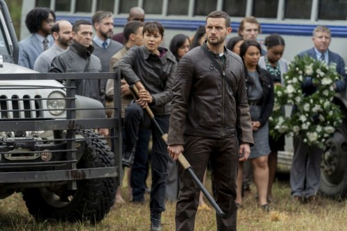 Annet Mahendru as Huck, Nico Tortorella as Felix, Aliyah Royale as Iris - The Walking Dead: World Be