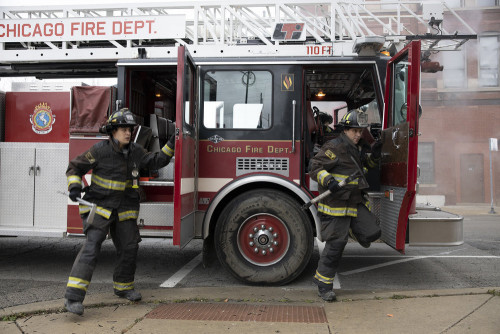 "CHICAGO FIRE -- ""Smash Therapy"" Episode 903 -- Pictured: (l-r) Alberto Rosende as Blake Gallo, Jesse"