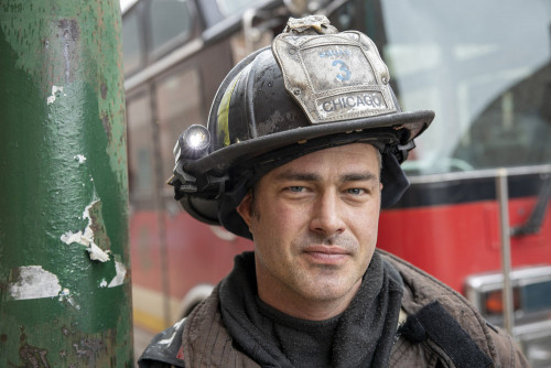 """CHICAGO FIRE -- """"Smash Therapy"""" Episode 903 -- Pictured: (l-r) Taylor Kinney as Kelly Severide -- (P"""