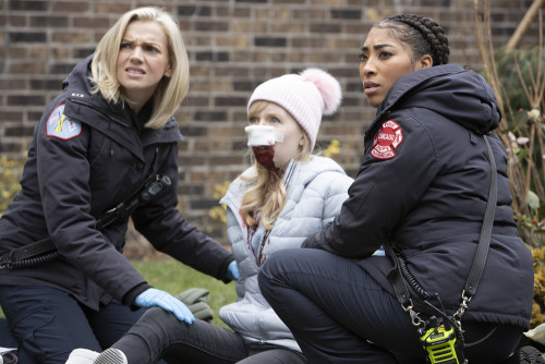 "CHICAGO FIRE -- ""Smash Therapy"" Episode 903 -- Pictured: (l-r) Kara Killmer as Sylvie Brett, Adriyan"