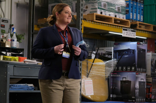 """SUPERSTORE -- """"Biscuit"""" Episode 607 -- Pictured: Lauren Ash as Dina -- (Photo by: Tina Thorpe/NBC)"""