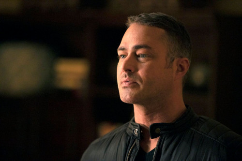 """CHICAGO FIRE -- """"Blow This Up Somehow"""" Episode 906 -- Pictured: Taylor Kinney as Kelly Severide -- ("""