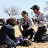 911-lone-star-season2-episode6e-580x387aca48143c600f7f9.th.jpg