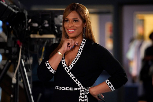 """KENAN -- """"4th Hour"""" Episode 103 -- Pictured: Kimries Lewis as Mika -- (Photo by: Casey Durkin/NBC)"""