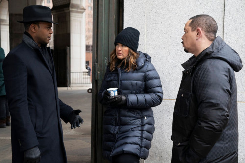 """LAW & ORDER: SPECIAL VICTIMS UNIT -- """"Hunt, Trap, Rape, and Release"""" Episode 22009 -- Pictured: (l-r"""