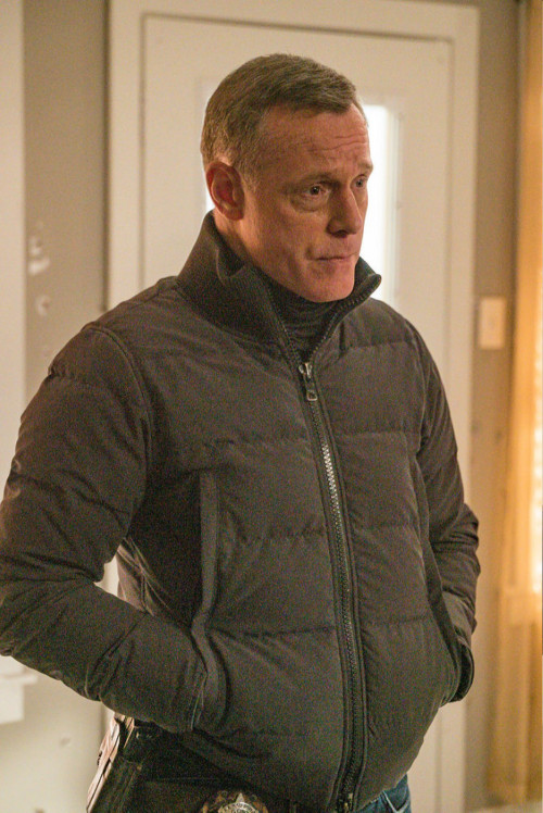"""CHICAGO P.D. -- """"Protect And Serve"""" Episode 808 -- Pictured: Jason Beghe as Hank Voight -- (Photo by"""