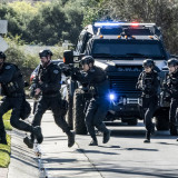 swat-season4-episode12b-1068x712.th.jpg