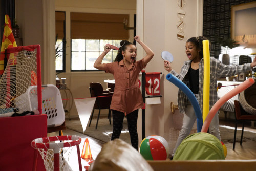 """KENAN -- """"Wednesday's Gal"""" Episode 109 -- Pictured: (l-r) Dannah Lane as Birdie, Dani Lane as Aubrey"""