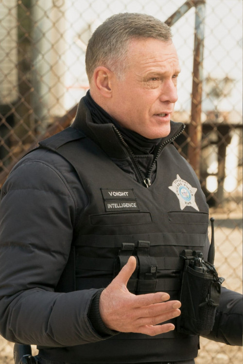 """CHICAGO P.D. -- """"Due Process"""" Episode 812 -- Pictured: Jason Beghe as Hank Voight -- (Photo by: Lori"""