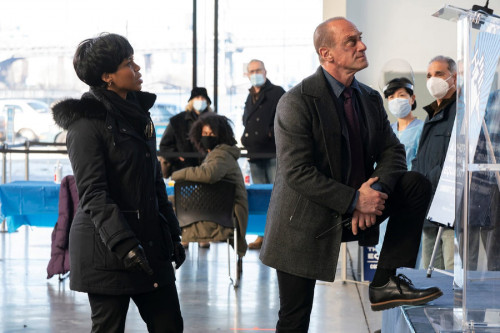 """LAW & ORDER: ORGANIZED CRIME -- """"Say Hello To My Little Friend"""" Episode 103 -- Pictured: (l-r) Danie"""