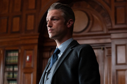"""LAW & ORDER: ORGANIZED CRIME -- """"The Stuff That Dreams Are Made Of"""" Episode 104 -- Pictured: Assista"""