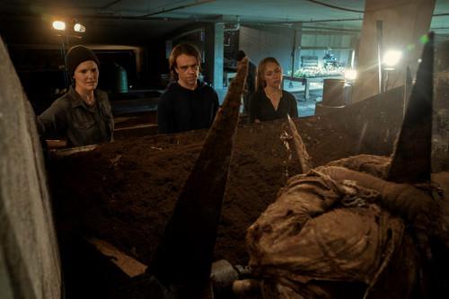 Maggie Grace as Althea, Alycia Debnam-Carey as Alicia Clark, Nick Stahl as Riley - Fear the Walking
