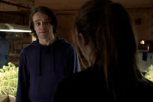Alycia Debnam-Carey as Alicia Clark, Nick Stahl as Riley - Fear the Walking Dead _ Season 6, Episode