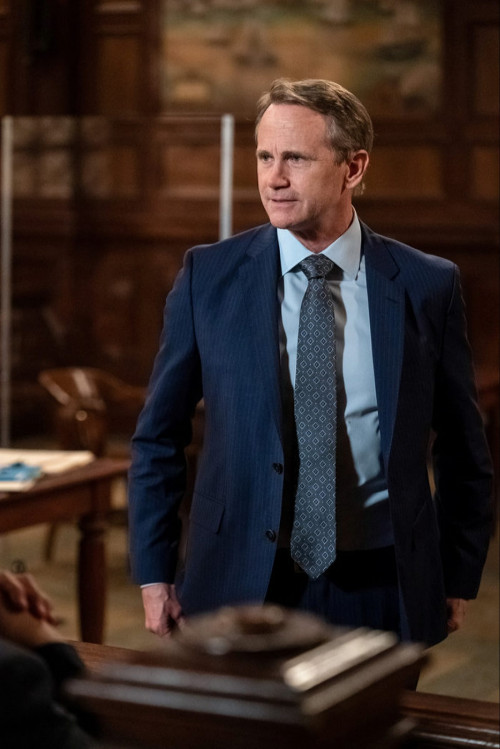 """LAW & ORDER: SPECIAL VICTIMS UNIT -- """"What Can Happen In The Dark"""" Episode 22015 -- Pictured: Lee Te"""