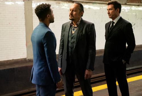 """LAW & ORDER: ORGANIZED CRIME -- """"Everybody Takes A Beating Sometime"""" Episode 107 -- Pictured: (l-r)"""