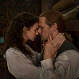 outlander-season-6-photos-claire-jamie.th.jpg