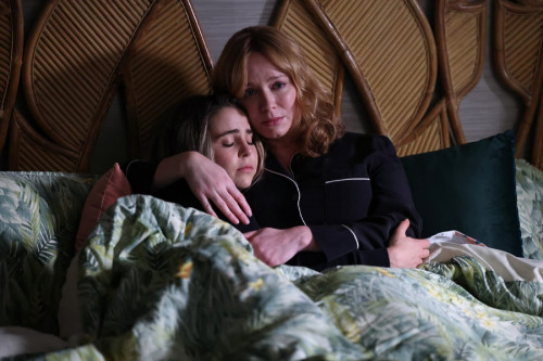 """GOOD GIRLS -- """"Family First"""" Episode 412 -- Pictured: (l-r) Mae Whitman as Annie Marks, Christina He"""