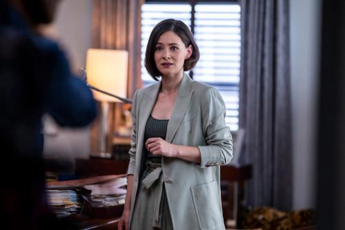 "NEW AMSTERDAM -- ""More Joy"" Episode 401 -- Pictured: Sandra Mae Frank as Dr. Elizabeth Wilder -- (Ph"