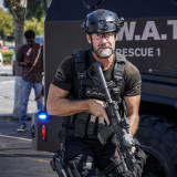 swat-season5-episode4c-696x497.th.jpg